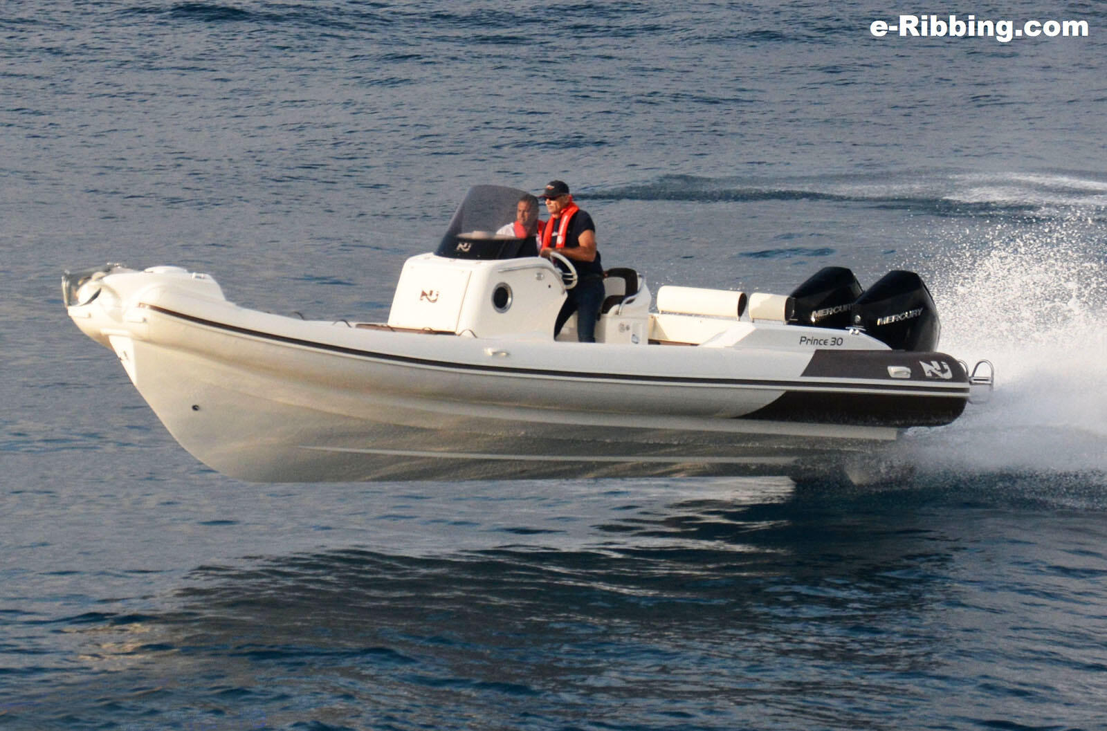 Nuova Jolly Prince 30 – Twin 250hp 4.6L V8 Verados